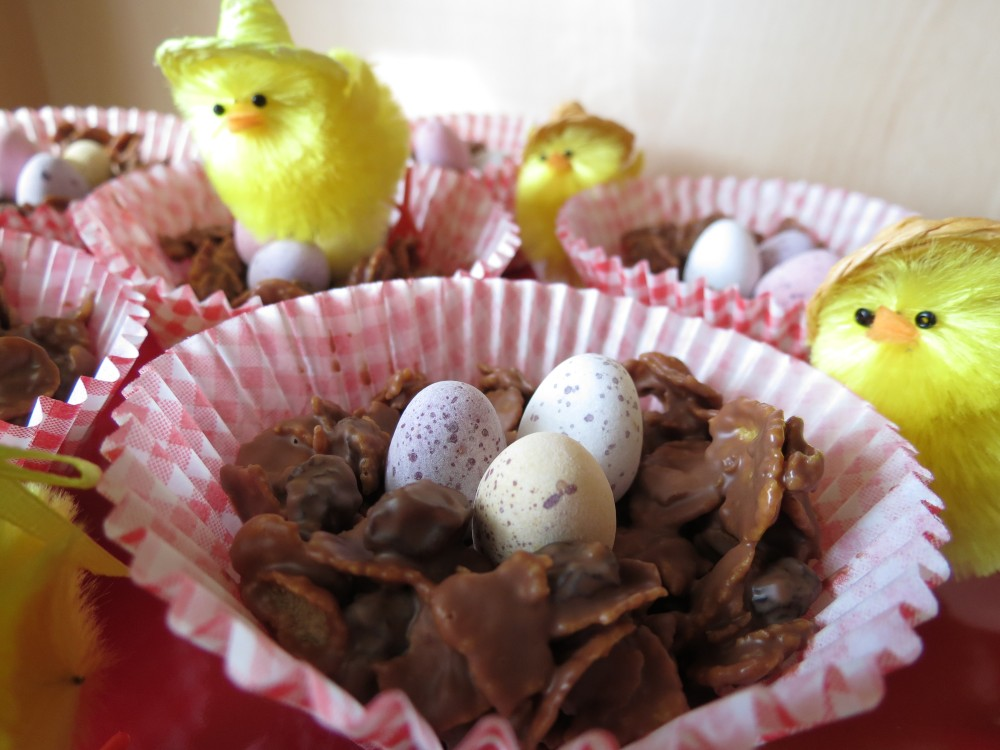 Easter: Chocolate Raisin Cornflake Cakes (2/4)