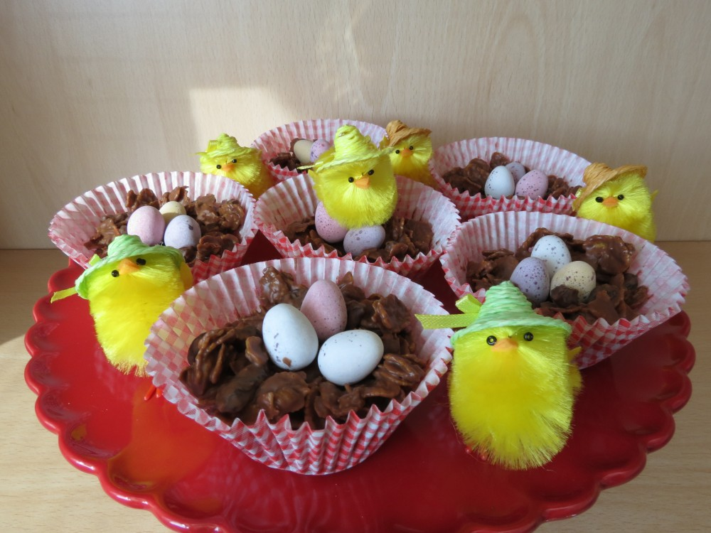 Easter: Chocolate Raisin Cornflake Cakes (4/4)