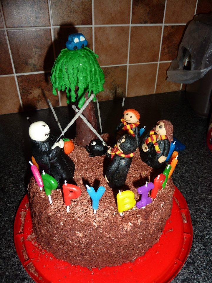 Harry Potter Cake! (3/4)